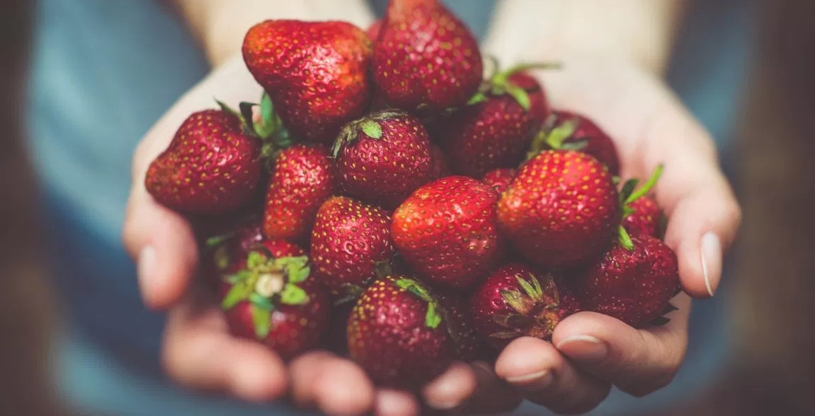Strawberry teeth whitening should only be used once a week