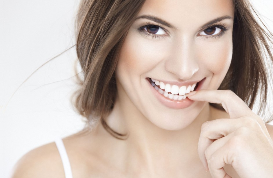 check out the best teeth whitening kit
